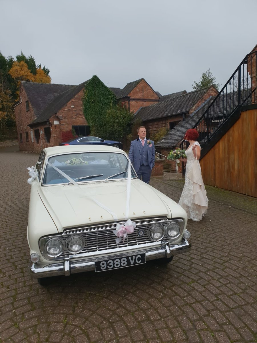 1963 FORD ZODIAC MK3 WEDDING CAR For Hire (picture 2 of 6)