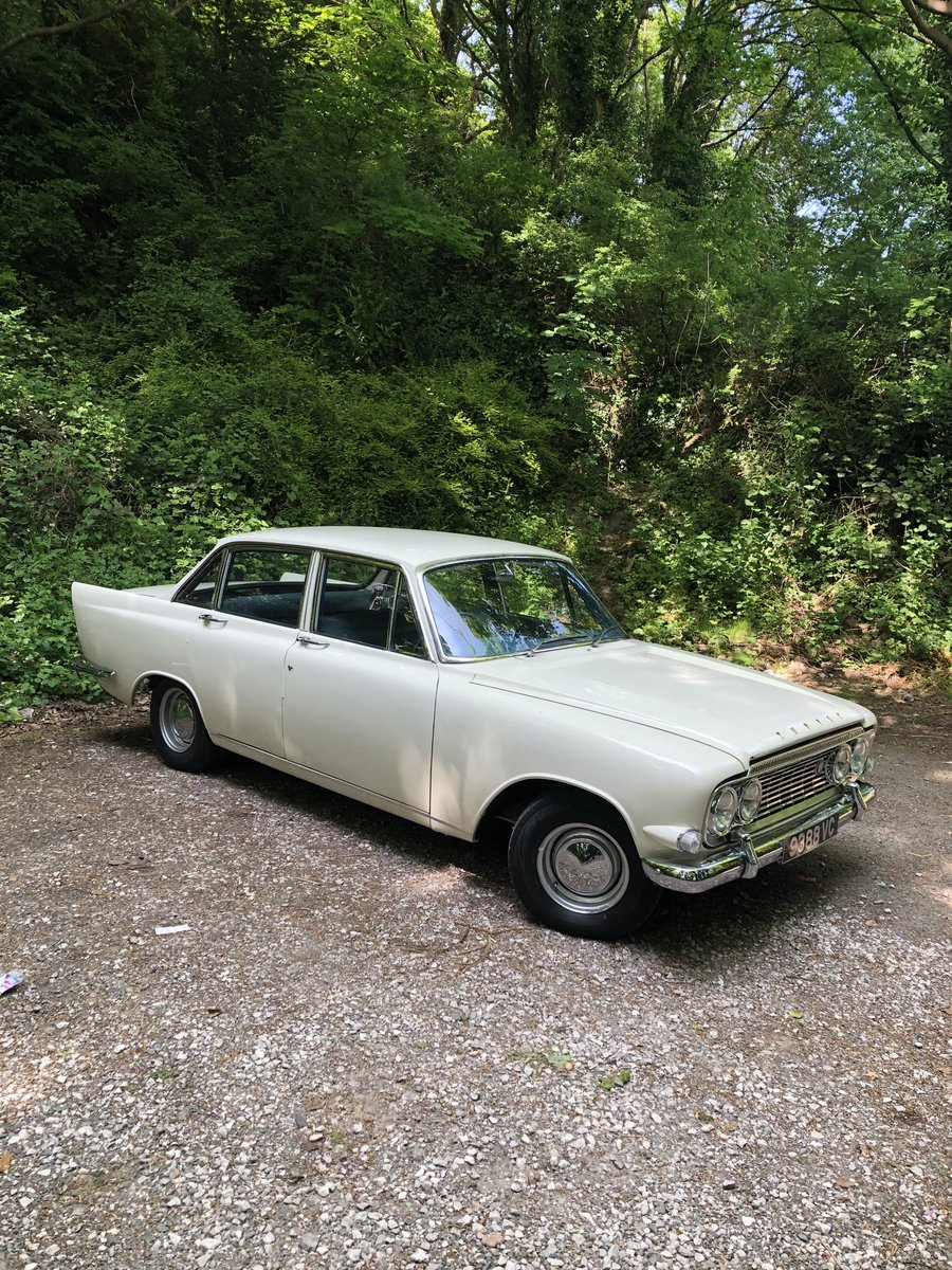 1963 FORD ZODIAC MK3 WEDDING CAR For Hire (picture 3 of 6)