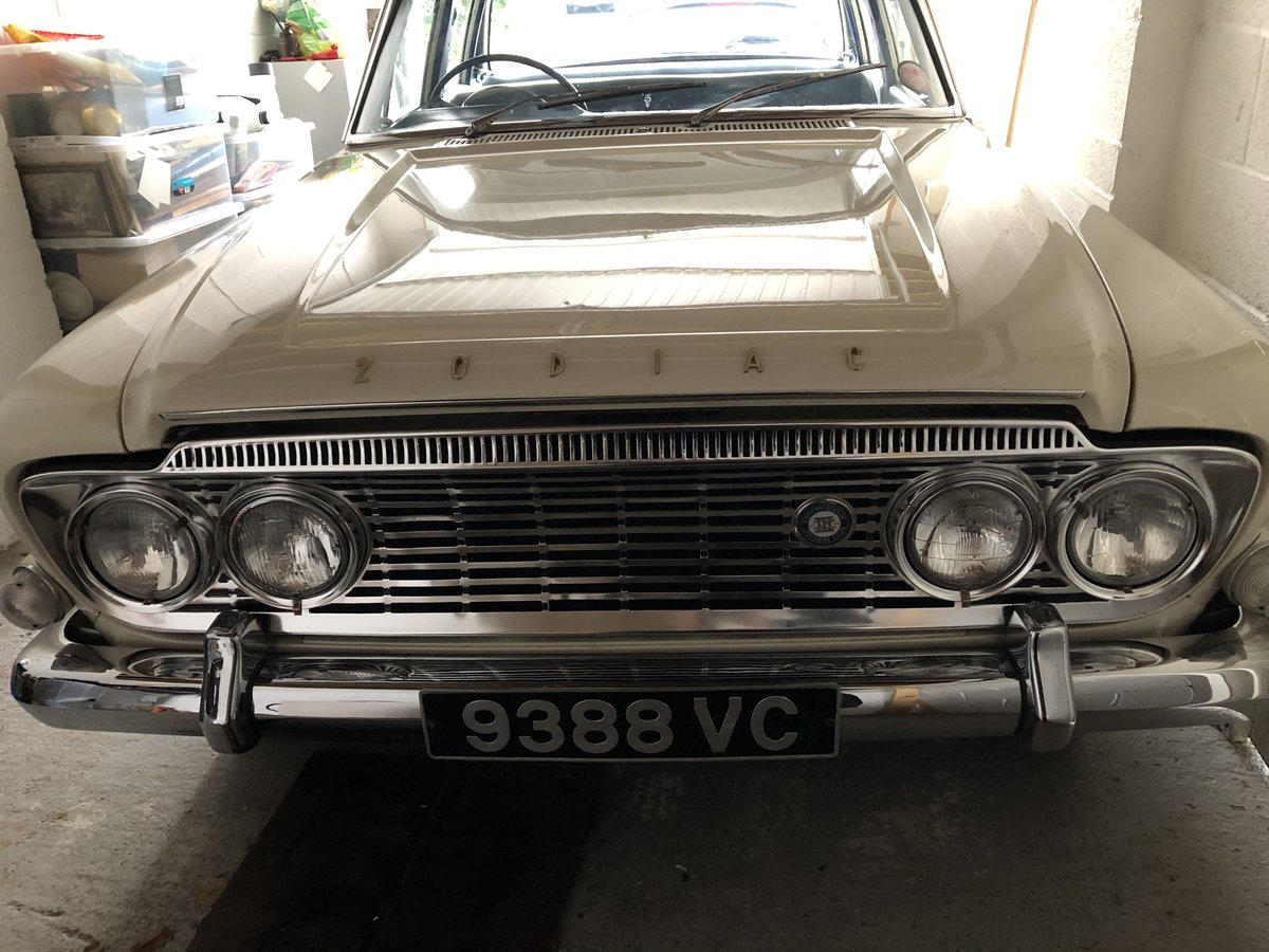 1963 FORD ZODIAC MK3 WEDDING CAR For Hire (picture 4 of 6)