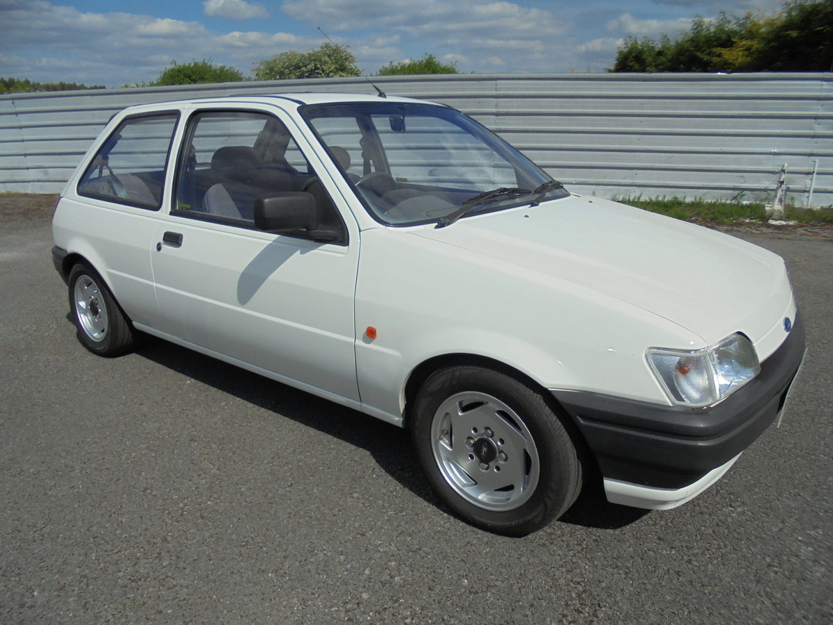 1990 FORD FIESTA POP + SOLD (picture 1 of 6)