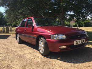 2000 Remarkable Ford Escort 1.6 Finesse 27000miles 1 OW