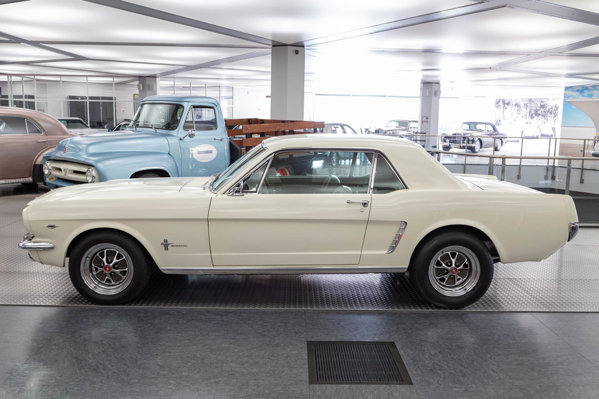 1965 Ford Mustang Coupé  SOLD (picture 2 of 6)