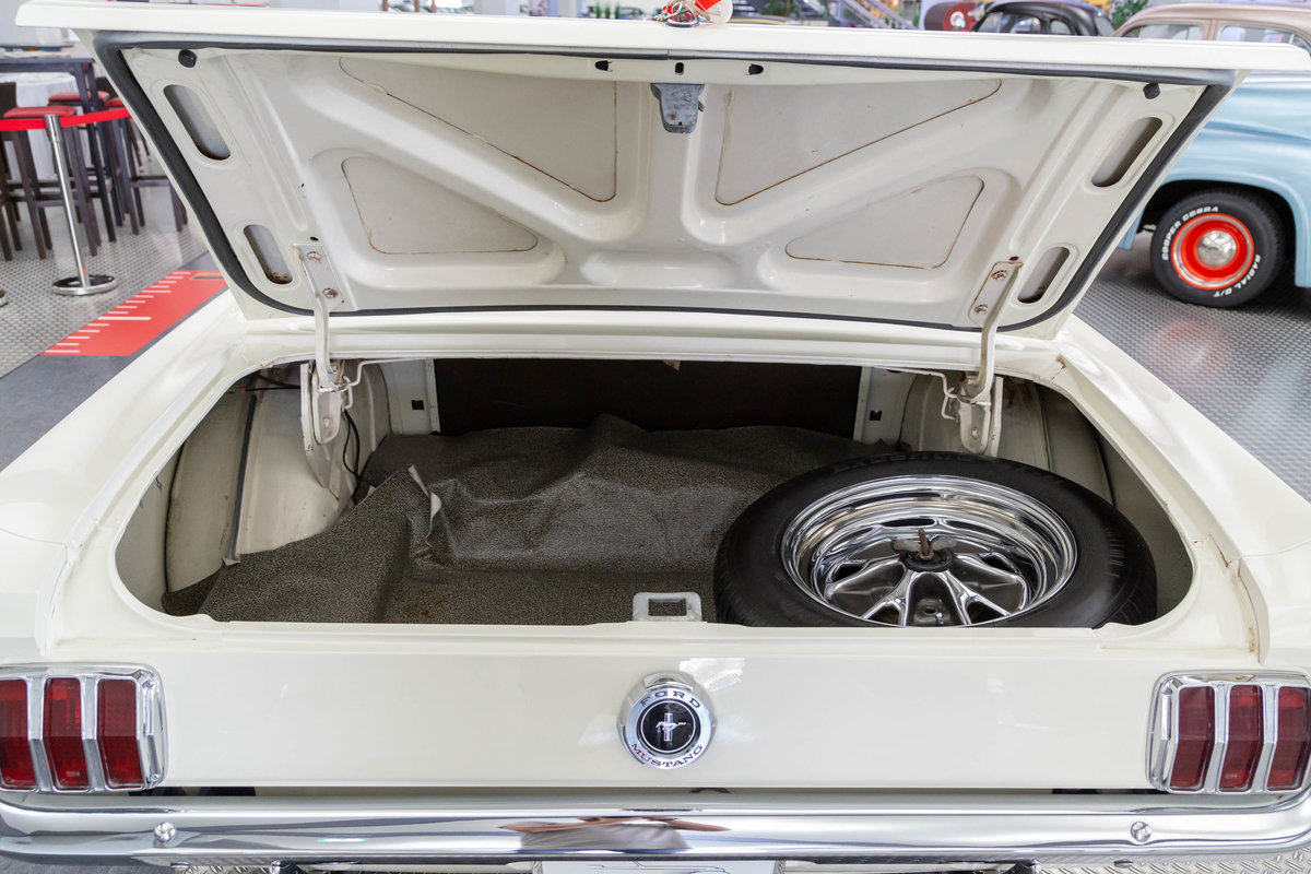1965 Ford Mustang Coupé  SOLD (picture 5 of 6)