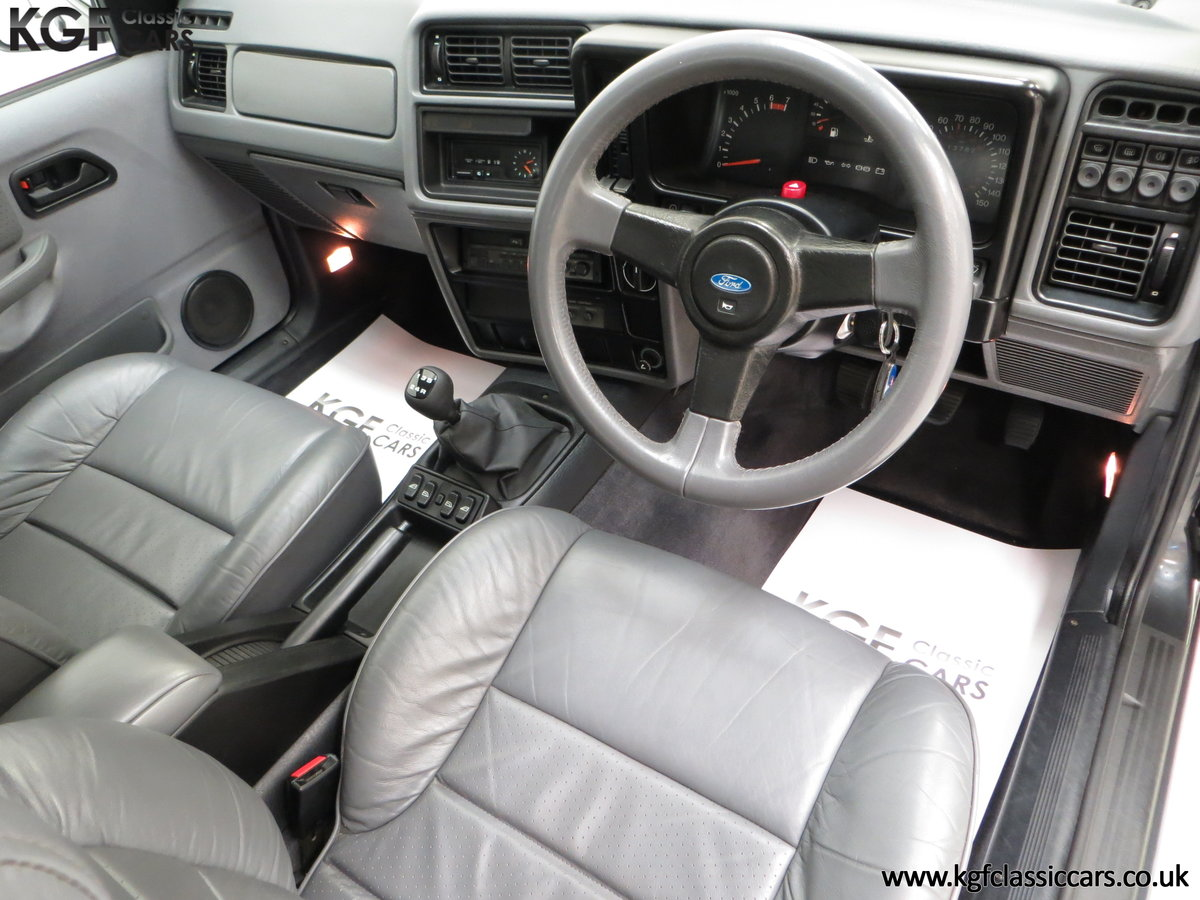 1989 A Luxury Ford Sierra Sapphire 2000E with just 13,744 Miles SOLD (picture 18 of 24)