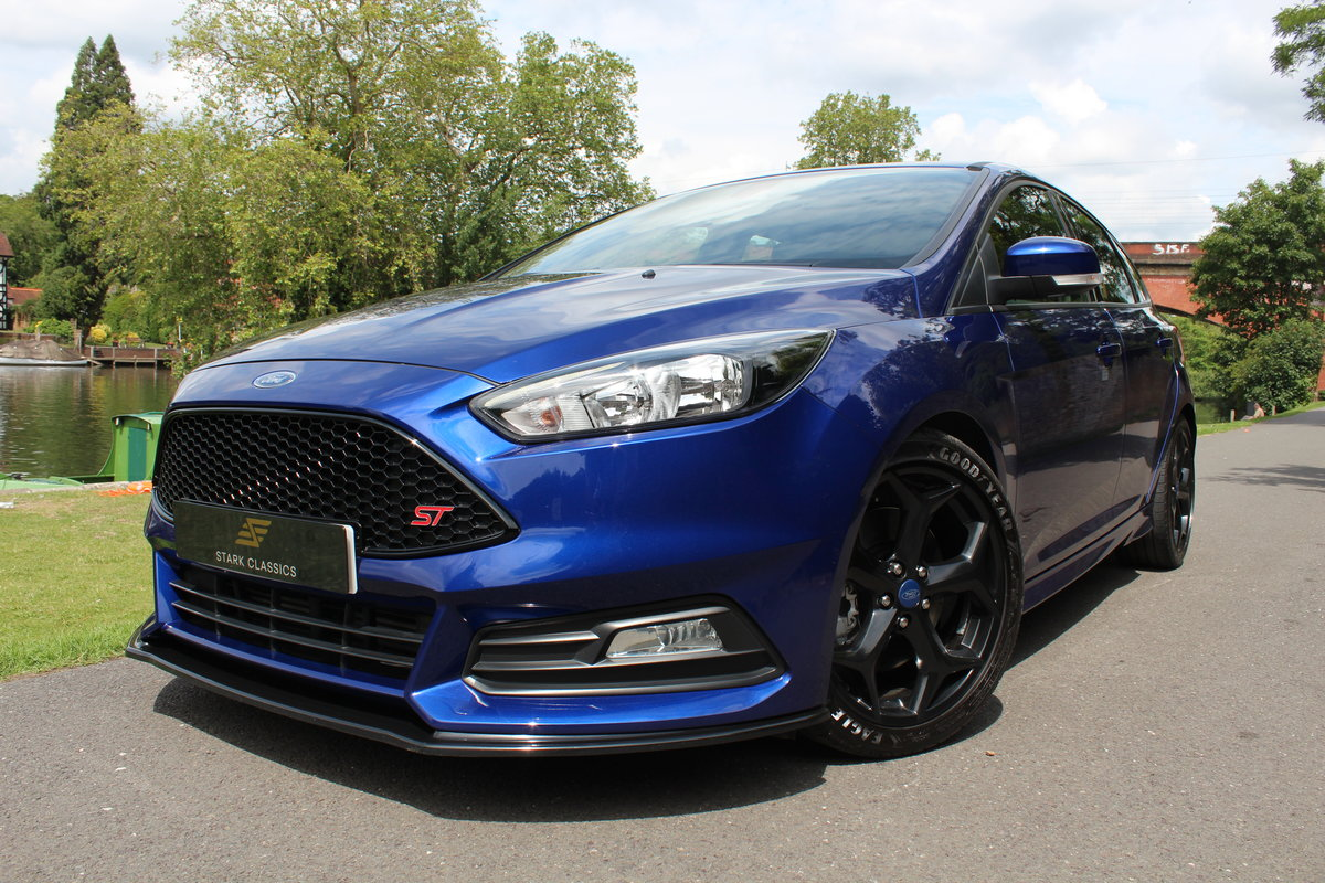 2015 Ford Focus ST2 *DEEP IMPACT METALLIC BLUE* For Sale (picture 3 of 6)
