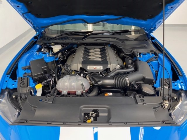 Mustang GT 5.0 V8 Custom Pack 2017 Convertible 5,000 miles SOLD (picture 4 of 6)