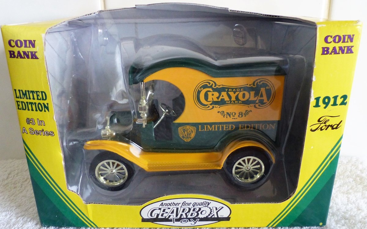 1912 2 CRAYOLA FORD DELIVERY CARS 1:24 SCALE MODEL For Sale (picture 1 of 6)