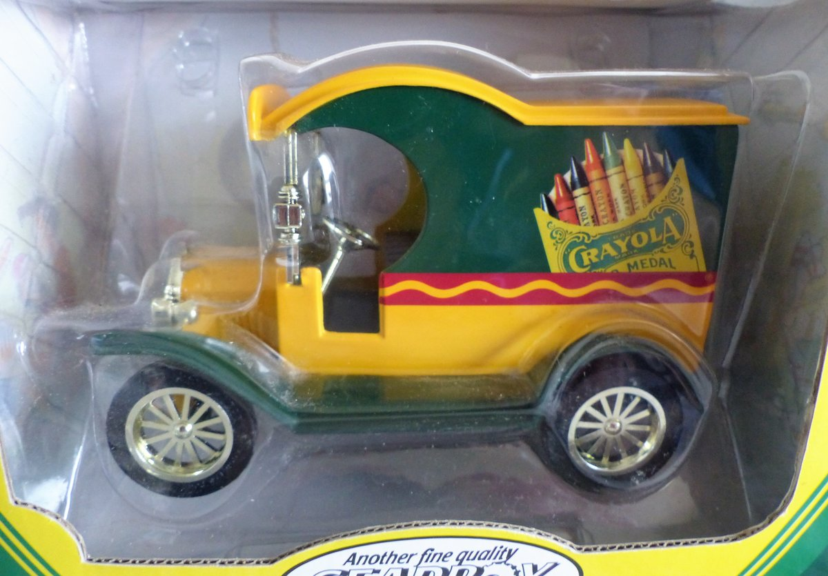 1912 2 CRAYOLA FORD DELIVERY CARS 1:24 SCALE MODEL For Sale (picture 2 of 6)