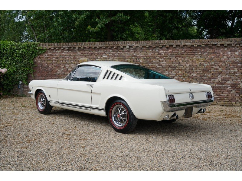 1966 Ford Mustang 289 Fastback automatic For Sale (picture 2 of 6)