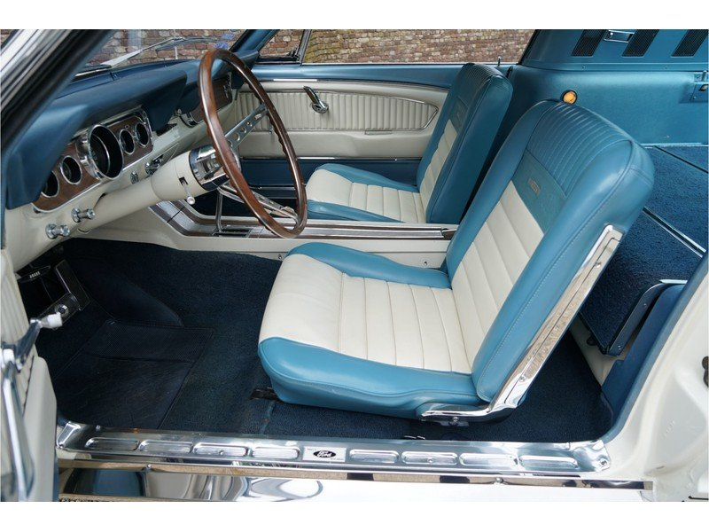 1966 Ford Mustang 289 Fastback automatic For Sale (picture 3 of 6)