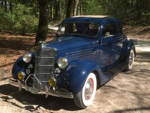 1935 A beautiful Ford V8