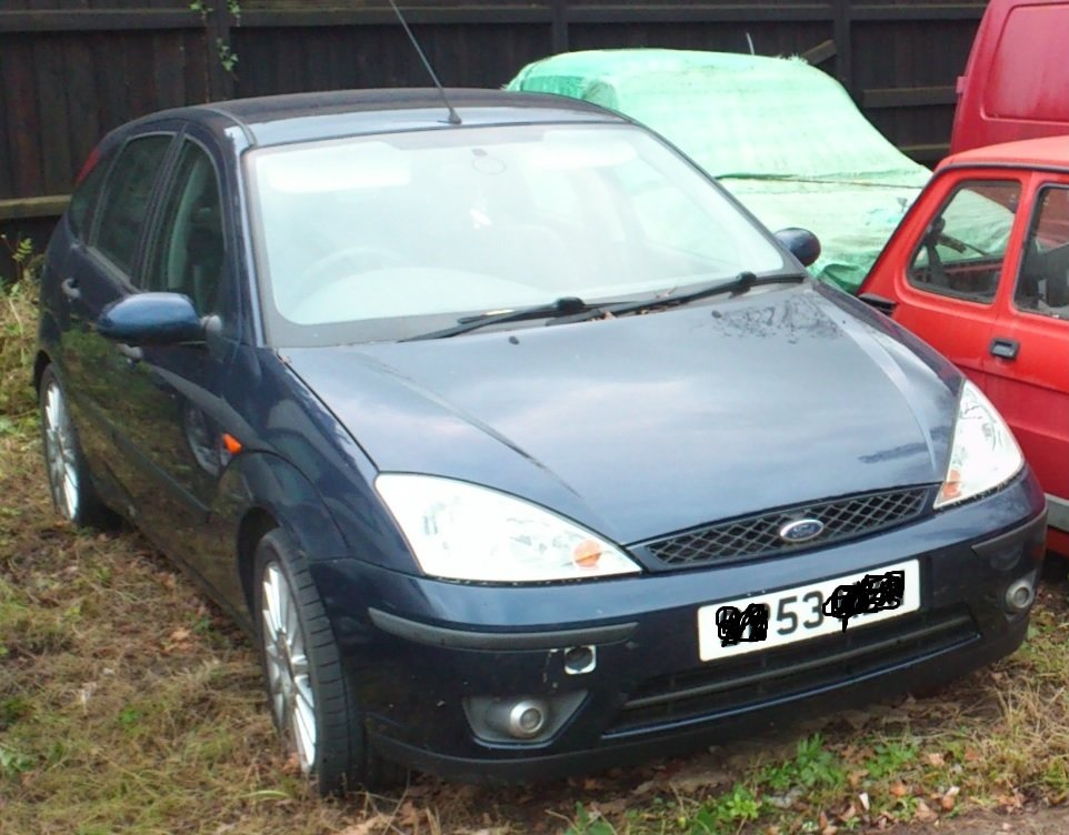 FORD FOCUS 1.8TDCI SPORT 2003 BLUE 4 DOOR HATCH For Sale (picture 1 of 2)