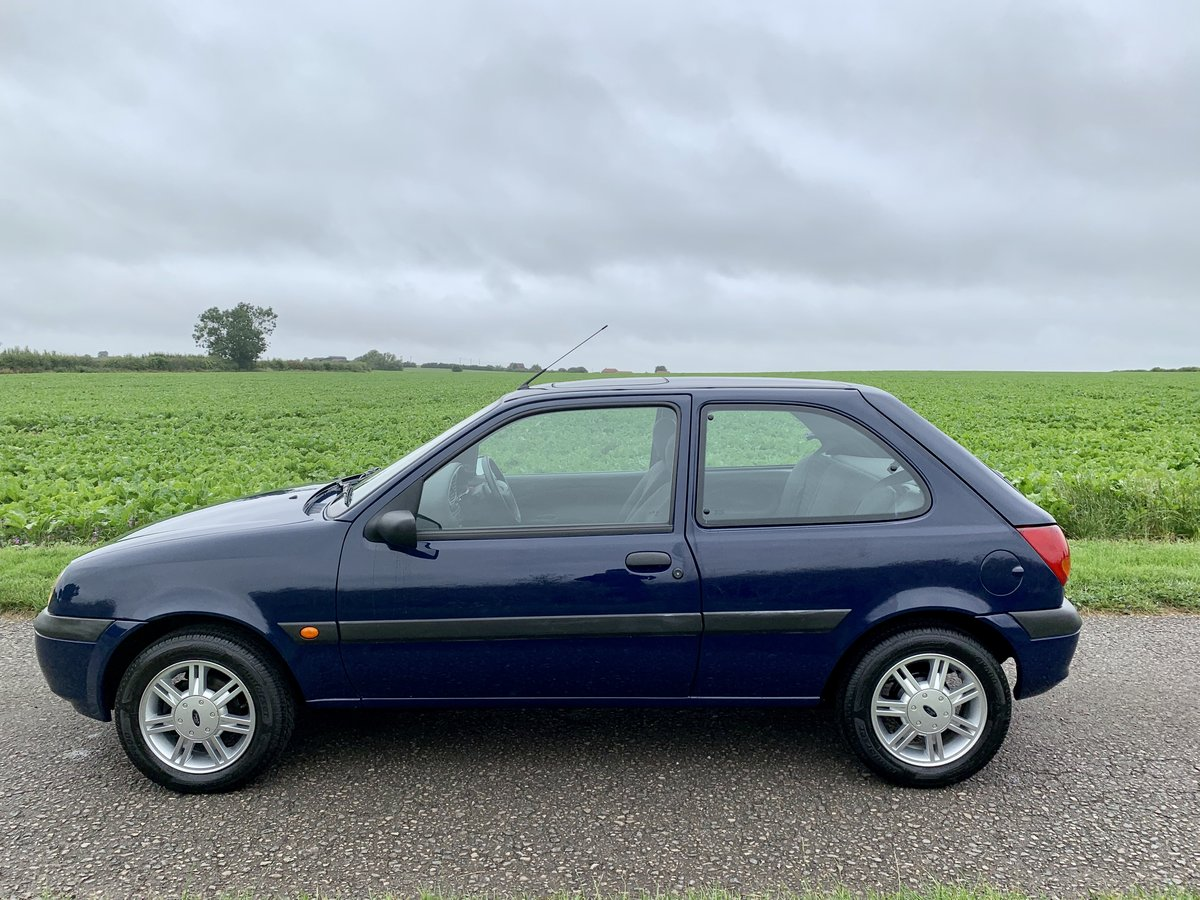 2001 Ford Fiesta 1.3 Flight ***2,938 miles from new** SOLD (picture 3 of 6)