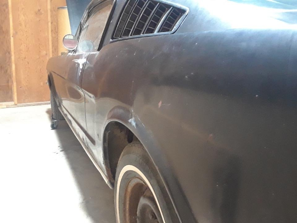 1965 Mustang Fastback project V8 manual transmission  For Sale (picture 5 of 10)