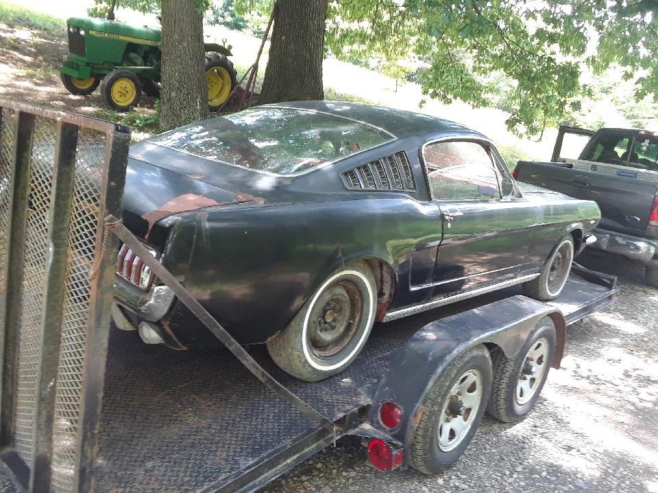 1965 Mustang Fastback project V8 manual transmission  For Sale (picture 6 of 10)
