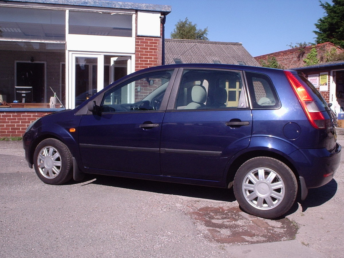 2002 FORD FIESTA 1.6 GHIA LOW MILEAGE SOLD (picture 5 of 6)