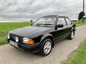 Stunning 1982 Ford Escort XR3 5speed *67,370miles*