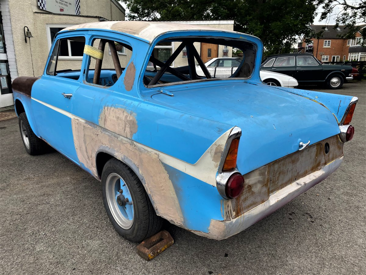 1960 FORD ANGLIA - RACE PREPARED For Sale (picture 2 of 6)