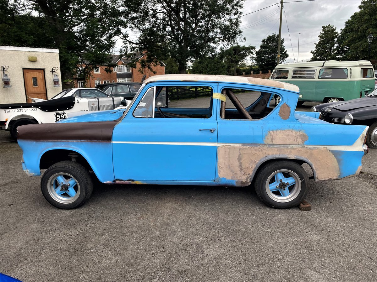 1960 FORD ANGLIA - RACE PREPARED For Sale (picture 4 of 6)
