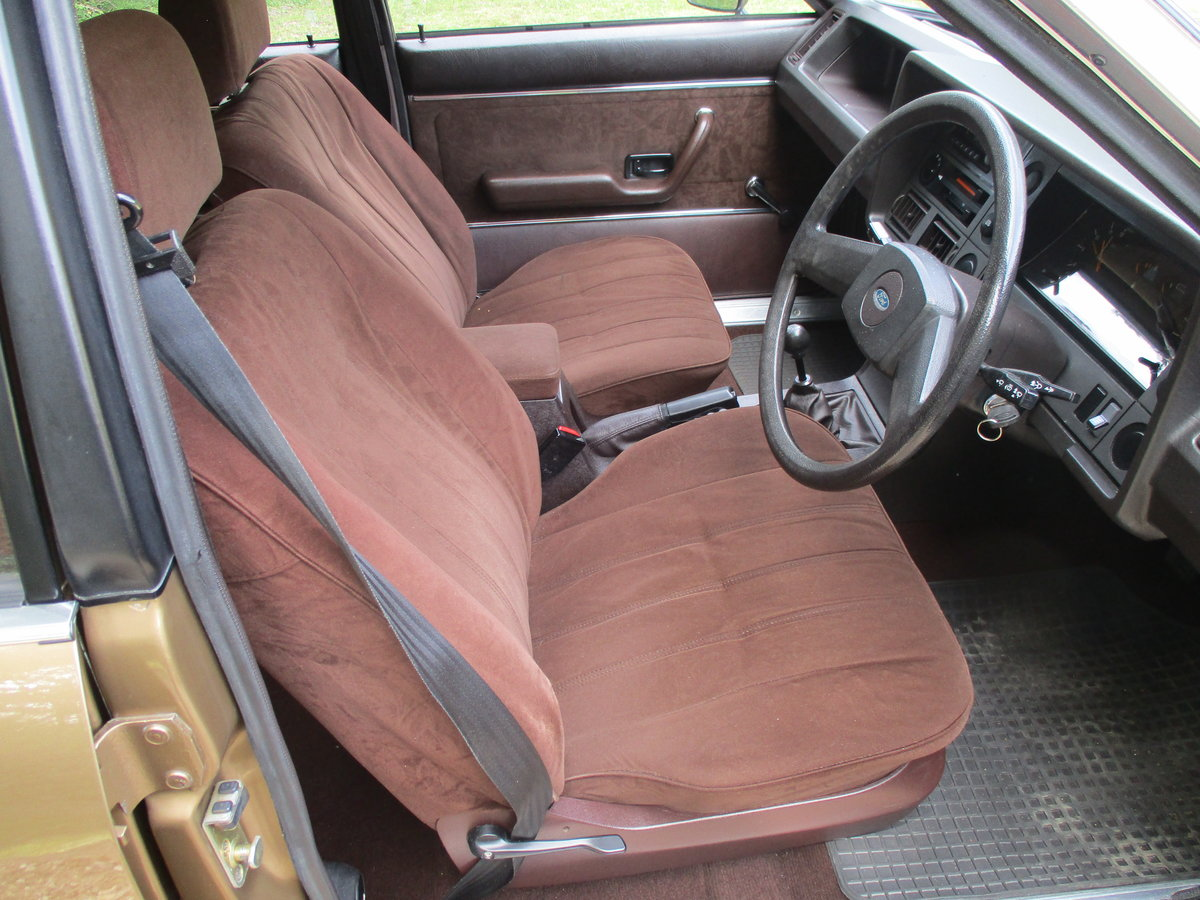 1981 Ford Granada ONLY 1 FORMER KEEPER For Sale (picture 4 of 6)