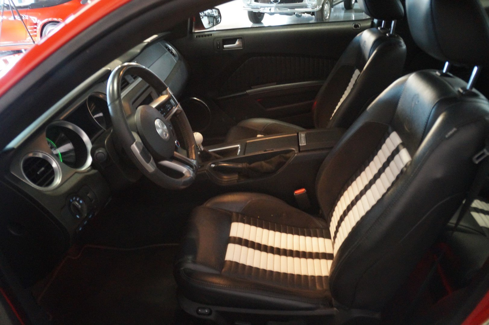 FORD MUSTANG Shelby GT500 SVT Performance Package (2011) For Sale (picture 2 of 6)
