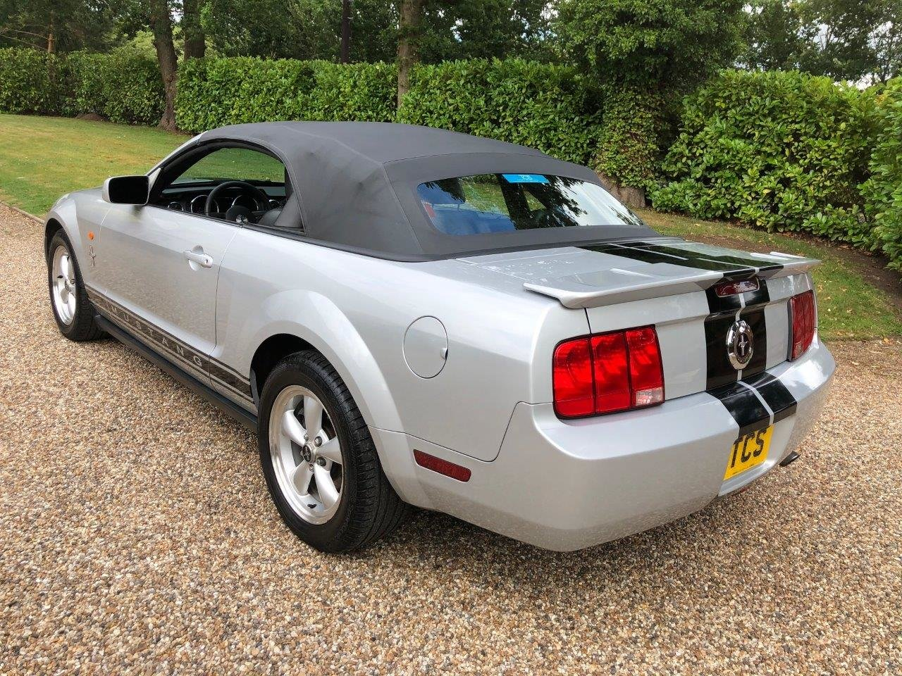 2009 Ford Mustang Premium Convertible 4.0L Automatic For Sale (picture 2 of 6)