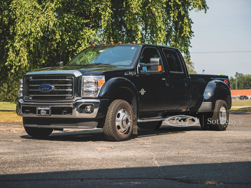 2016 Ford F-350 Super Duty Lariat 44 Crew-Cab Pickup  For Sale by Auction (picture 1 of 6)