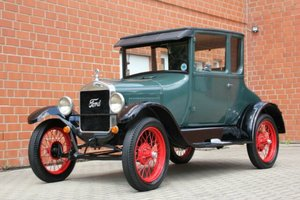 Picture of Ford Model T Coupe, 1927 SOLD