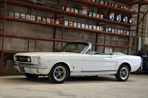 1966 Ford Mustang convertible, sold new in France !