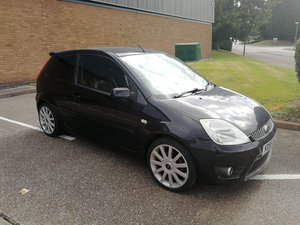 Ford Fiesta long mot cd payer with aux & bluetooth