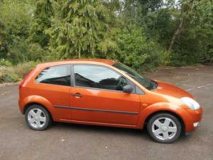 Picture of 2004 A very attractive little hatchback