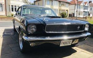 1966 Ford Mustang v8 4.7 Black