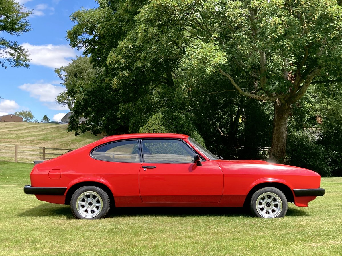 1986 Ford Capri - 2.0 MK3 - Full History & Stunning Car For Sale (picture 2 of 6)