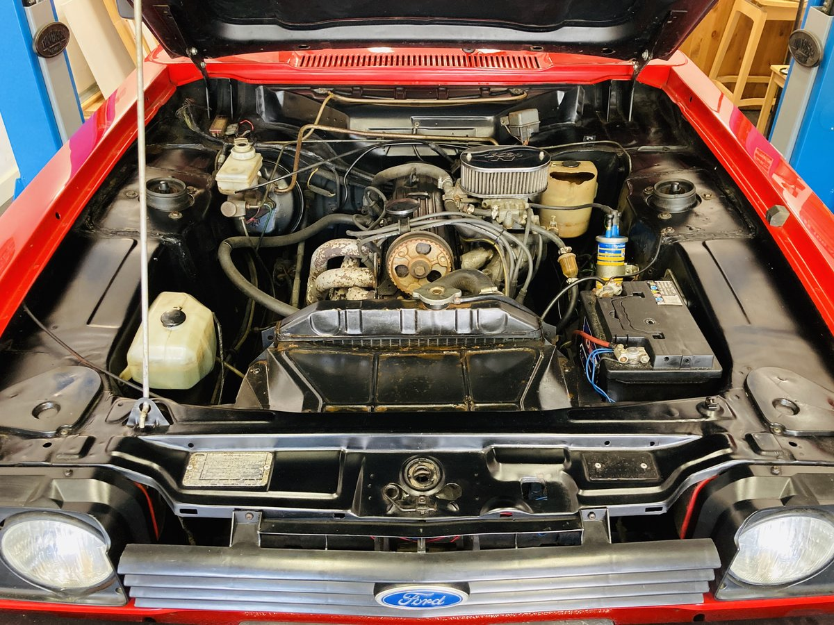 1986 Ford Capri - 2.0 MK3 - Full History & Stunning Car For Sale (picture 5 of 6)