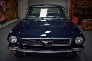 Ford Mustang Coupe 289 CID V8 4 Speed Manual