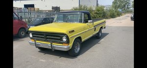 1971 Ford F100 truck,  motor rebuilt,   new interior