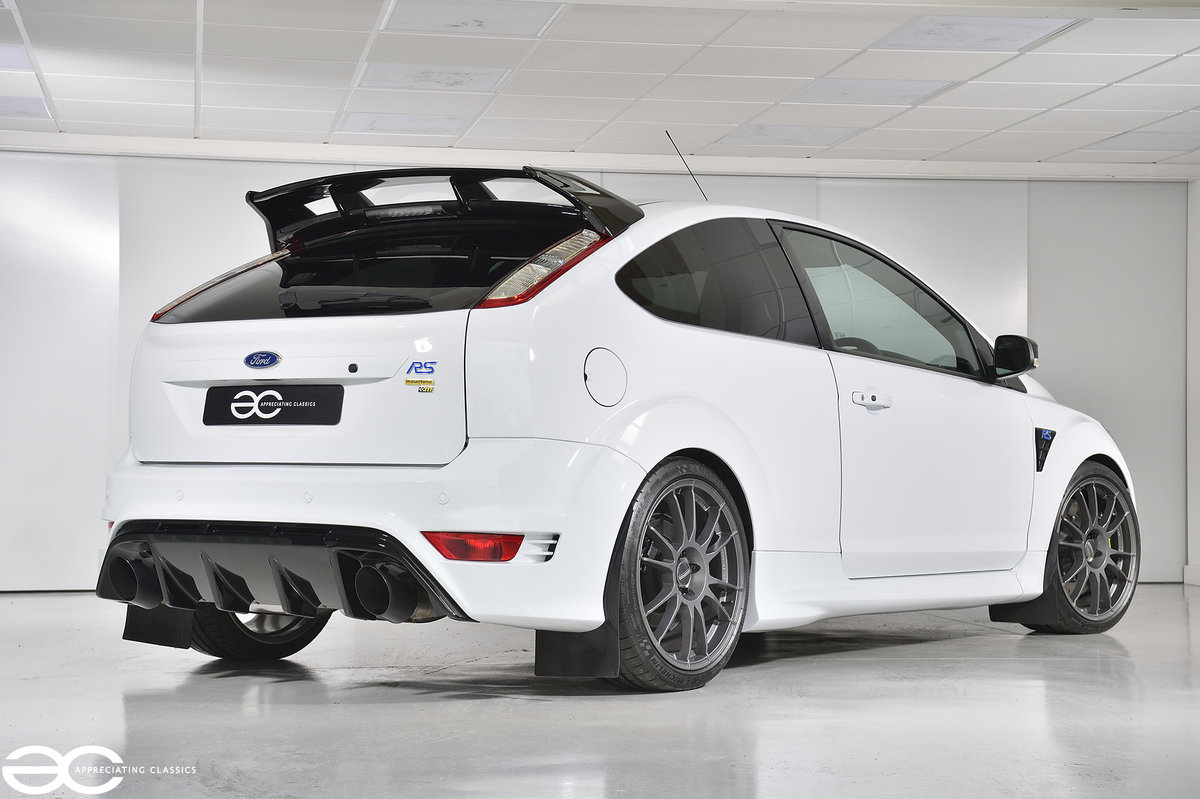 2010 A fantastic & Rare Focus RS 'Clubsport' - 21k Miles SOLD (picture 3 of 6)