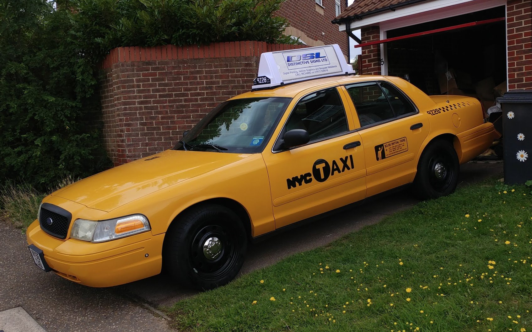 2007 Ford Crown Victoria New York taxi cab For Sale (picture 3 of 6)
