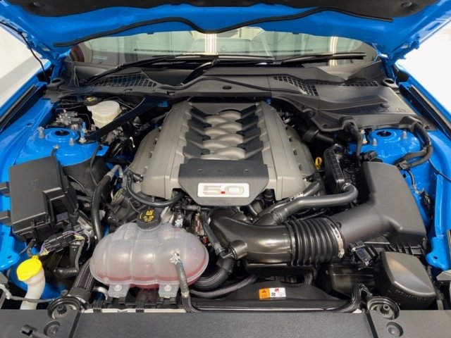 2017 Ford Mustang GT Convertible, Automatic. Just over 2,000 SOLD (picture 3 of 6)