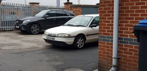 1993 Ford Mondeo 1.6LX saloon.