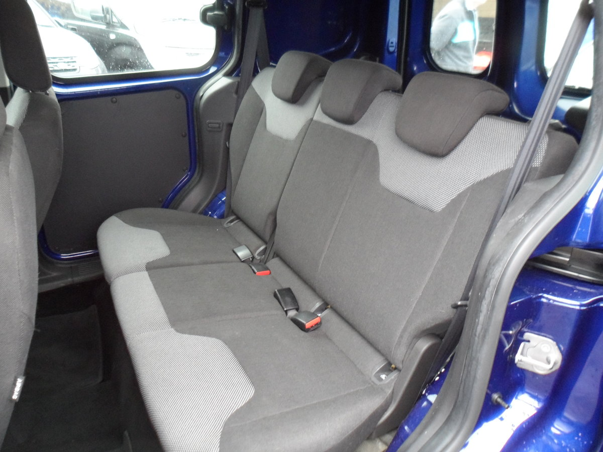 2016 FORD COURIER FACTORY BUILT KOMBI PEOPLE CARRIER 89,000 MILES For Sale (picture 5 of 6)