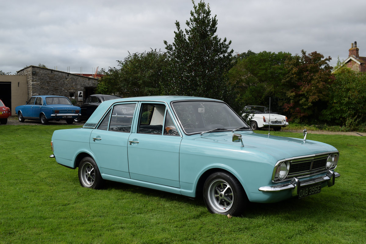 1967 FORD CORTINA MARK 2 1300 - JUST STUNNING CONDITION! SOLD (picture 2 of 6)