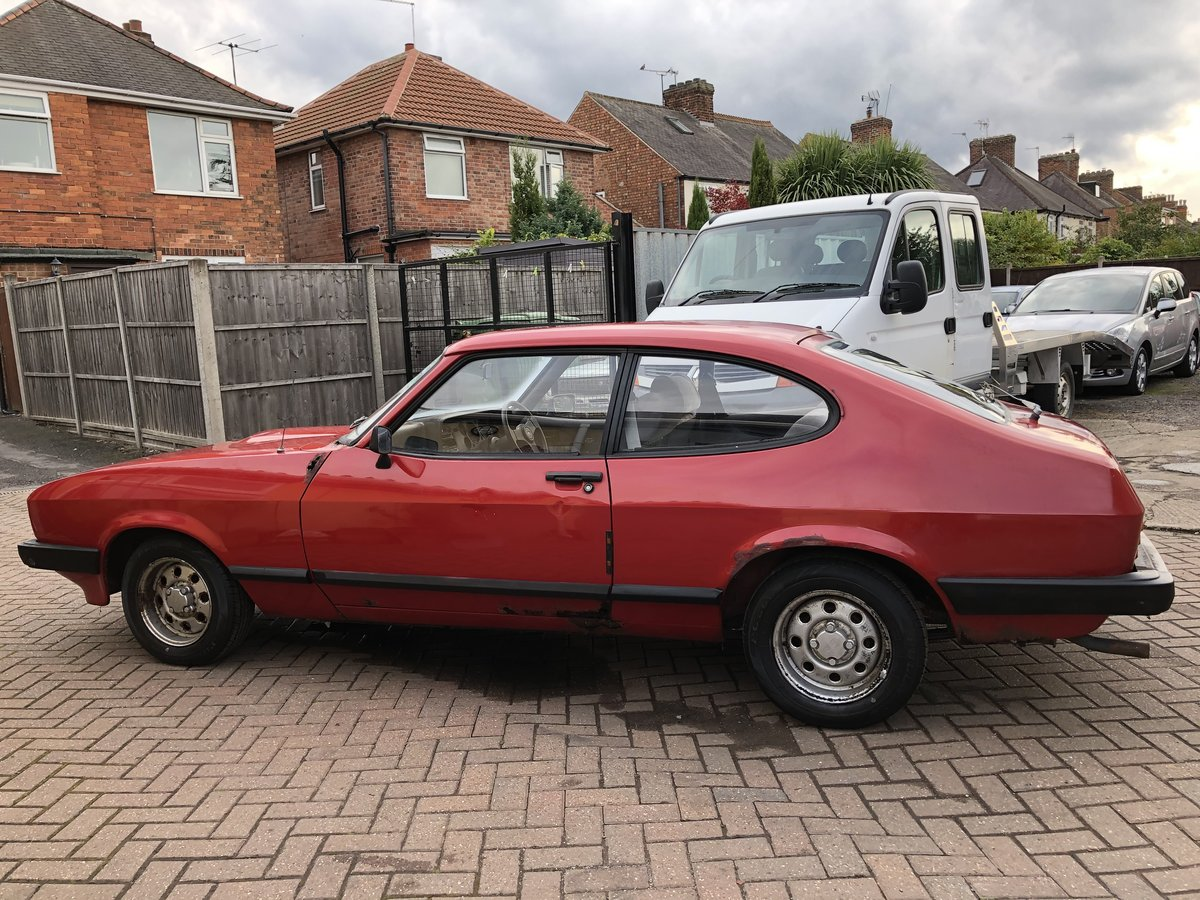 1984 Ford Capri 1.6 LS Mk3 SOLD (picture 4 of 6)