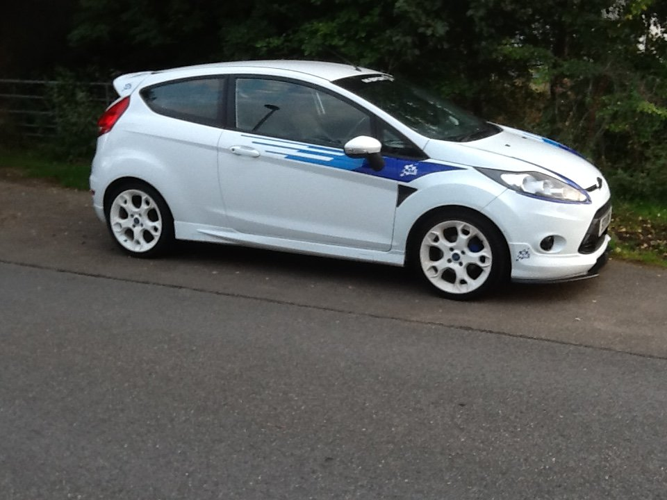 2011 M-Sport fiesta S1600 tribute For Sale (picture 1 of 5)
