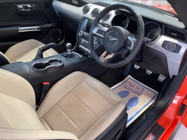 Ford Mustang GT V8 Manual (Custom Pack) 2016 16,000 miles SOLD (picture 4 of 6)
