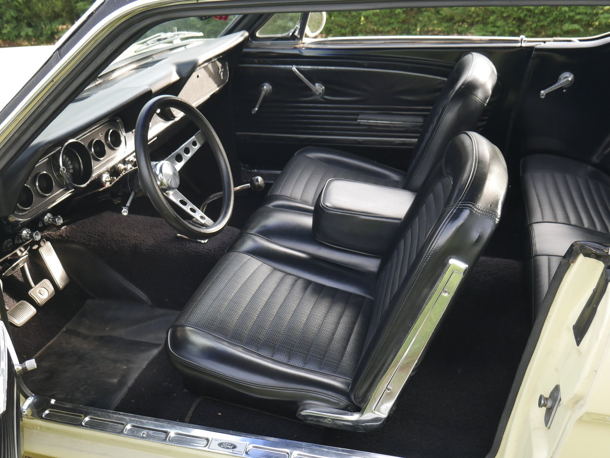 1965 ford Mustang 289 V8 Manual ** Fully Restored Manual Mus For Sale (picture 4 of 6)