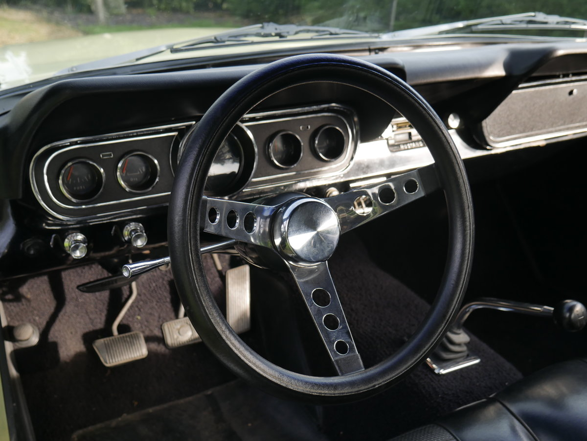 1965 ford Mustang 289 V8 Manual ** Fully Restored Manual Mus For Sale (picture 5 of 6)