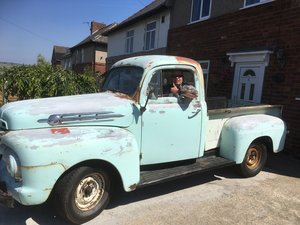Ford f1 short bed pick up truck