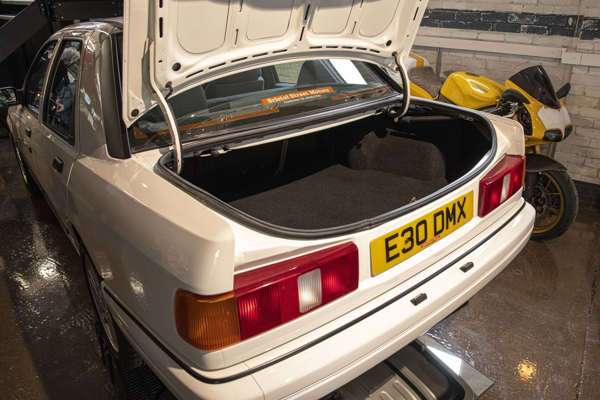 1988 Sierra RS Cosworth Sapphire For Sale (picture 6 of 20)