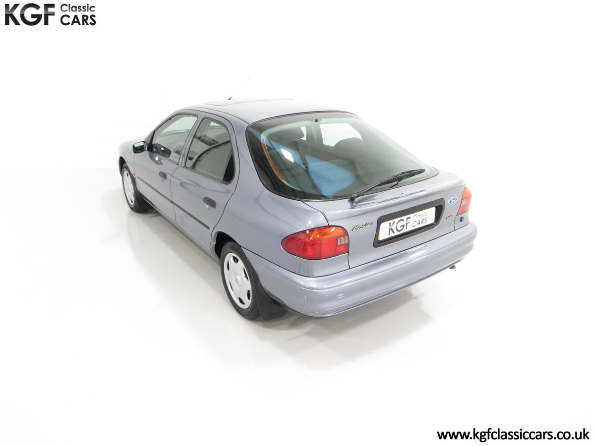 1996 Simply the Best Ford Mondeo Mk1 2.0 Si with 5,737 Miles SOLD (picture 9 of 24)